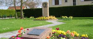 Auberville, monument lettrine