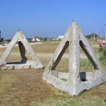 Courseulles-sur-Mer, Centre Juno Beach, obstacles de plage
