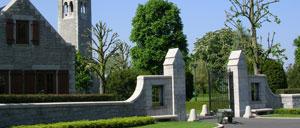 Saint-James, cimetière lettrine