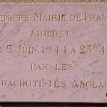 Bénouville, plaque première mairie de France libérée