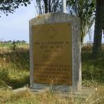Bény-sur-Mer, stèle aérodrome B4