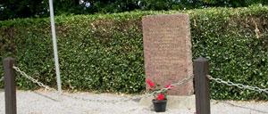 Brucheville, monument lettrine