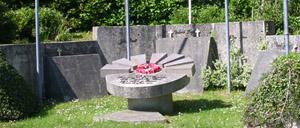 Cerisy-la-Salle, monument lettrine