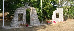 Conteville, monument lettrine