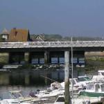 """Courseulles-sur-Mer, plaque """"Nottingham bridge"""""""