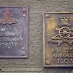 Courseulles-sur-Mer, plaque 3rd Anti Tank Regiment RCA & 14th Field Regiment RCA