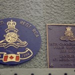Courseulles-sur-Mer, plaque 14th Field Regiment RCA & 19th Field Regiment RCA