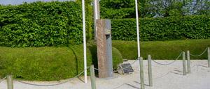 Foucarville, monument lettrine