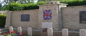 Tourville-sur-Odon, monument lettrine