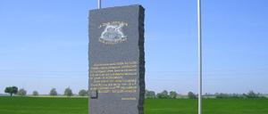 Emiéville, monument lettrine