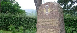 Gonneville-sur-Mer, monument lettrine