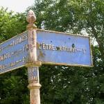 La Fresnaye-au-Sauvage, panneau routier