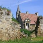 Laize-la-Ville, ruine près de l'église Notre-Dame
