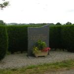 Le Chefresne, stèle cimetière américain