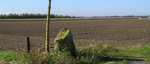Martragny, monument lettrine
