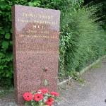 Mathieu, stèle Harold Pickersgill