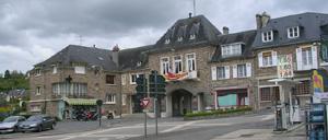Pont-d'Ouilly, ville lettrine
