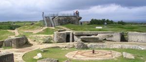 Criqueville-en-Bessin, monument lettrine