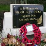 Poussy-la-Campagne, stèle Pilot Officer Peter Price