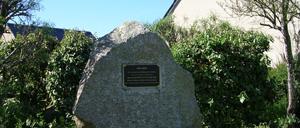 Réville, monument lettrine