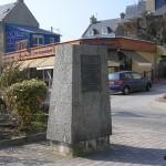 Saint-Aubin-sur-Mer, stèle 10th Armoured Regiment