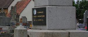 Sainte-Marguerite-d'Elle, monument lettrine