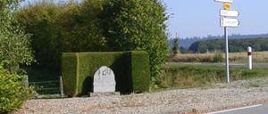 Tanville, monument lettrine