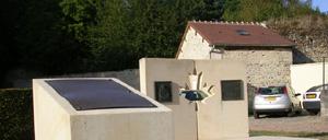 Urville, monument lettrine
