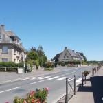 Lingèvres, la D13 vers Tilly-sur-Seulles