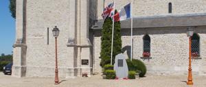 Lingèvres, monument lettrine