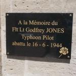 Lingèvres, plaque Flight Lieutenant Jones