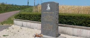 Biéville-Beuville, monument lettrine