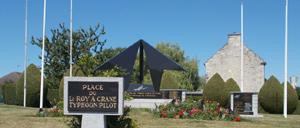 Noyers-Bocage, monument lettrine