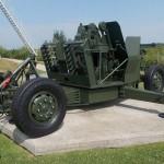 Ranville, Mémorial Pegasus, canon anti-aérien Bofors 40 mm