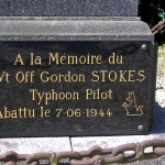 Les Moutiers-Hubert, plaque Warrant Officer Stokes