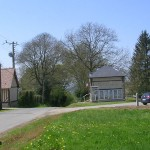 Lessard-et-le-Chêne, place de la mairie