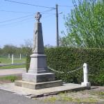 Cernay, monument aux Morts & plaque James Gatschene