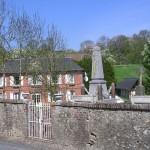 Clarbec, le monument aux Morts et le cimetière