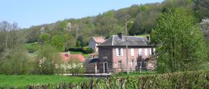 Saint-Martin-de-Bienfaite-la-Cressonnière, ville lettrine