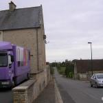 Ouilly-le-Tesson, la D261 vers Rouvres