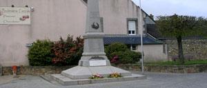 Les Pieux, monument lettrine