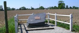Cahagnolles, monument lettrine