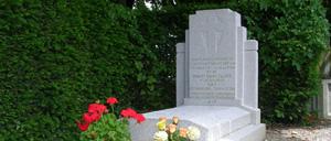 Bursard, monument lettrine