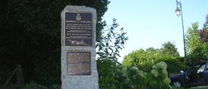 Bréel, monument lettrine