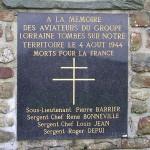 Saint-Denis-de-Méré, stèle groupe Lorraine