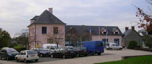 Saint-Denis-de-Méré, ville lettrine
