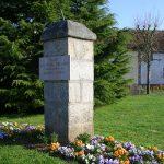 Bourg-le-Roi, stèle général Leclerc