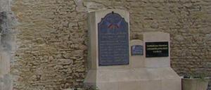 Cauvicourt, monument lettrine