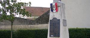 Chérancé, monument lettrine
