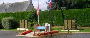 Putot-en-Bessin, monument lettrine